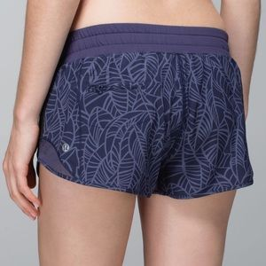 """Lululemon Hotty Hot Shorts 2.5"""""""